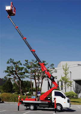 Truck-mounted-cranes-&-platforms