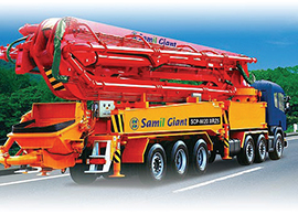 Truck-mounted-concrete-pumps